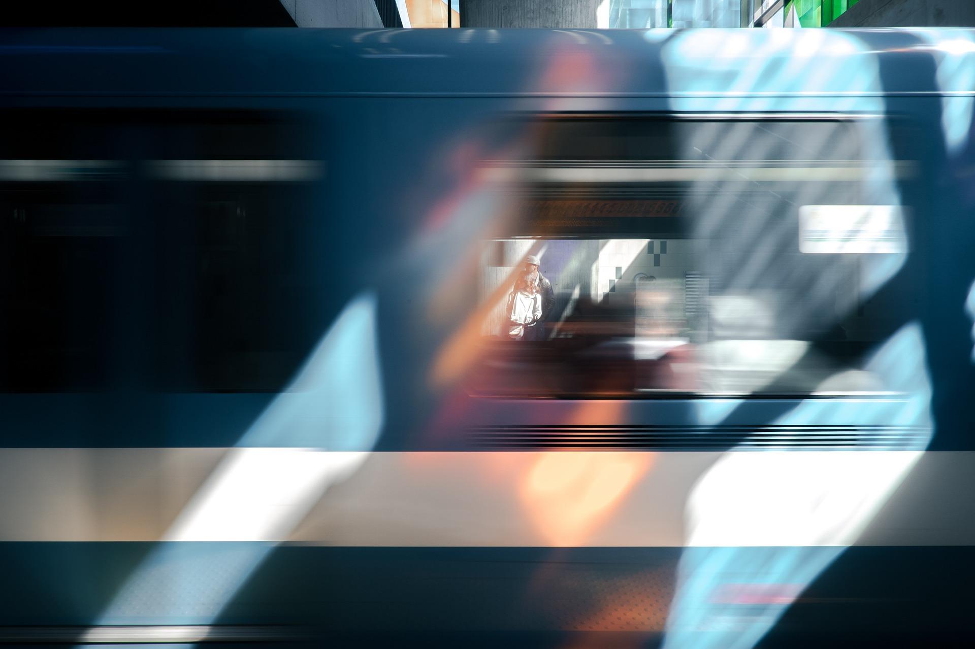 vlak u pokretu